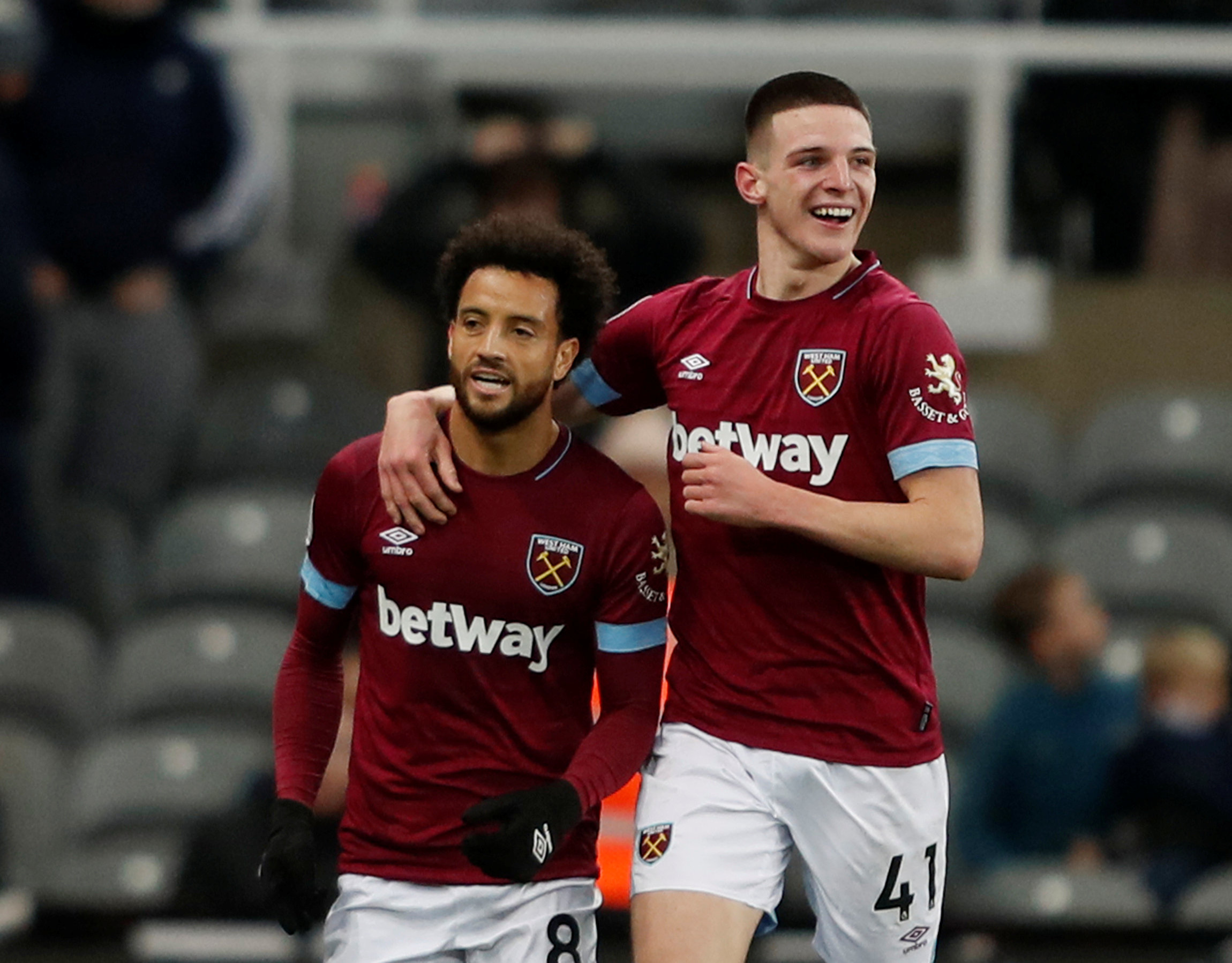 Felipe Anderson celebrates his goal with Declan Rice
